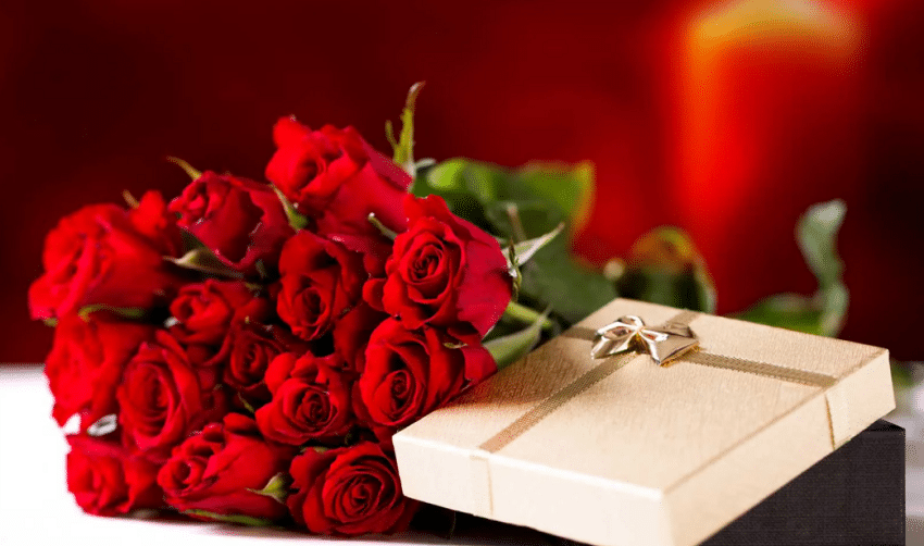Top 10 Romantic Gifts for your Sweetheart